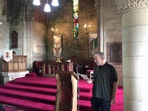 Moderator's Visit - G sings Aig Criosd an Siol at Strone